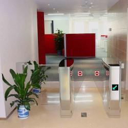 Giải pháp lắp đặt hệ thống kiểm soát với cổng xoay Tripod